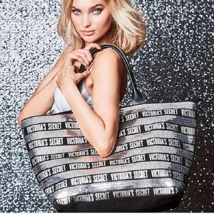 NEW‼️ VICTORIA'S SECRET SEQUIN TOTE & WRISTLET
